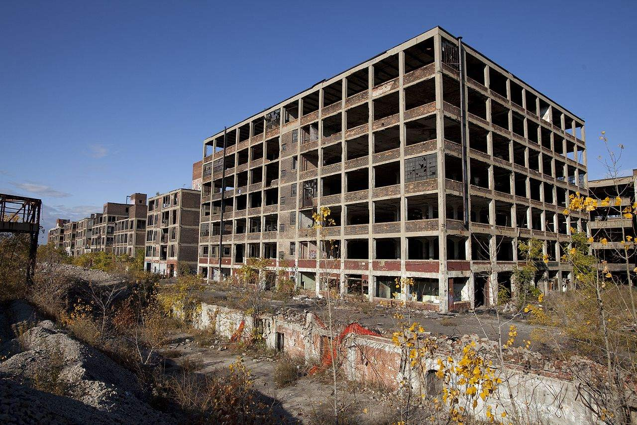 1280px-Abandoned_Packard_Automobile_Factory_Detroit_200
