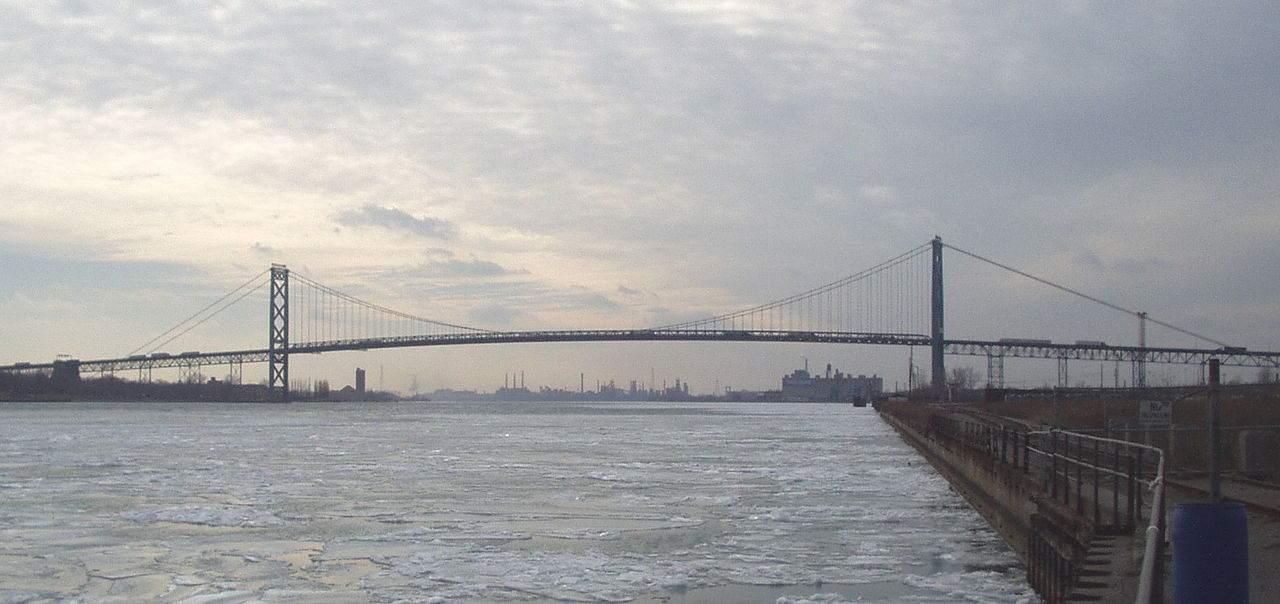 Detroit Windsor Ambassador Bridge Mahnendes Beispiel für TTIP