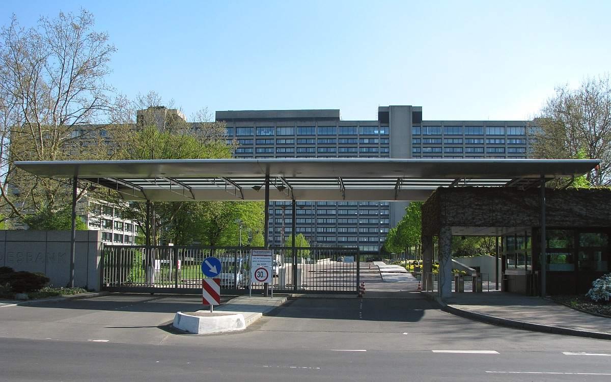 Bundesbank-Zentrale in Frankfurt gegen Bargeld-Abschaffung