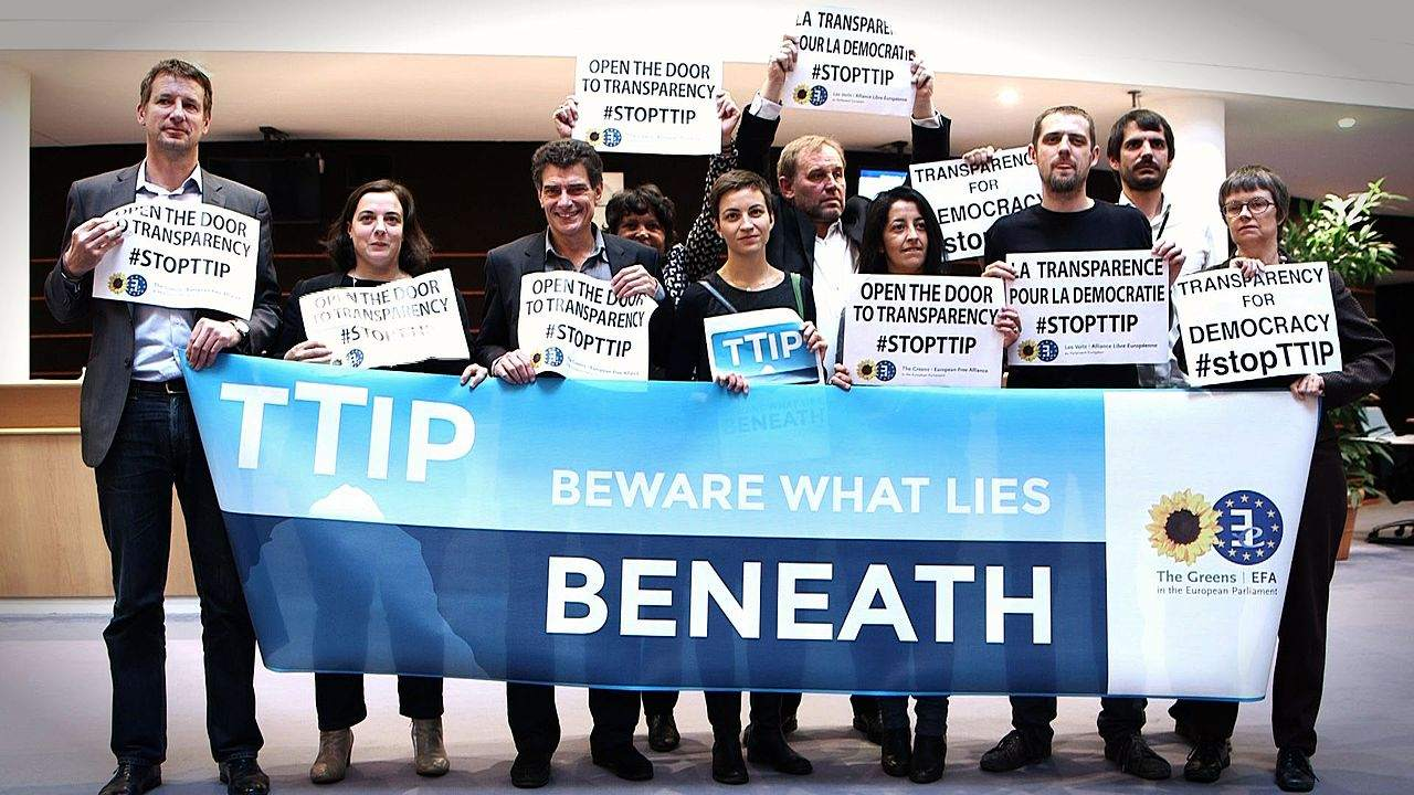 TTIP Abgeordnete protestieren gegen fehlende Einsichtsmöglichkeit 1