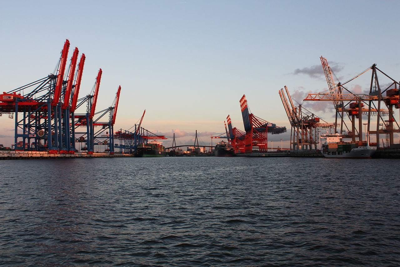 EU-Überschuss - Bild aus Hamburger Hafen