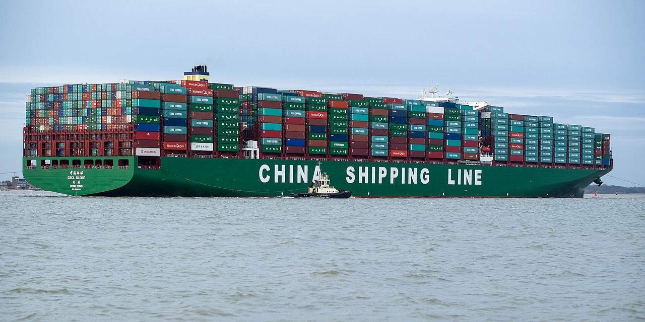 Handelskrieg - chinesisches Containerschiff