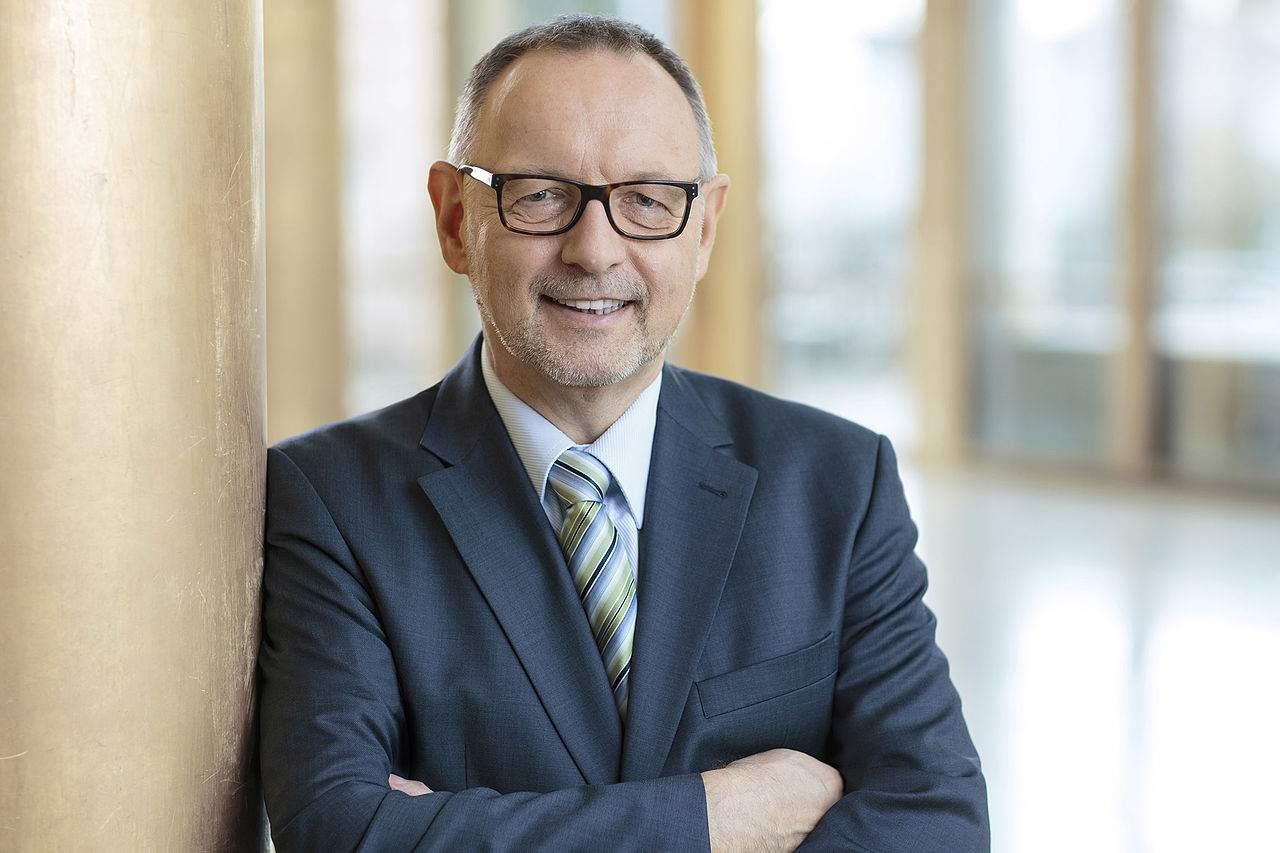 Rundfunkbeitrag - Streit um Barzahlung - Manfred Krupp HR