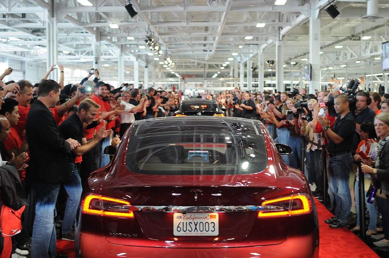 Tesla-Quartalszahlen heute Abend - Auslieferung in Fabrik