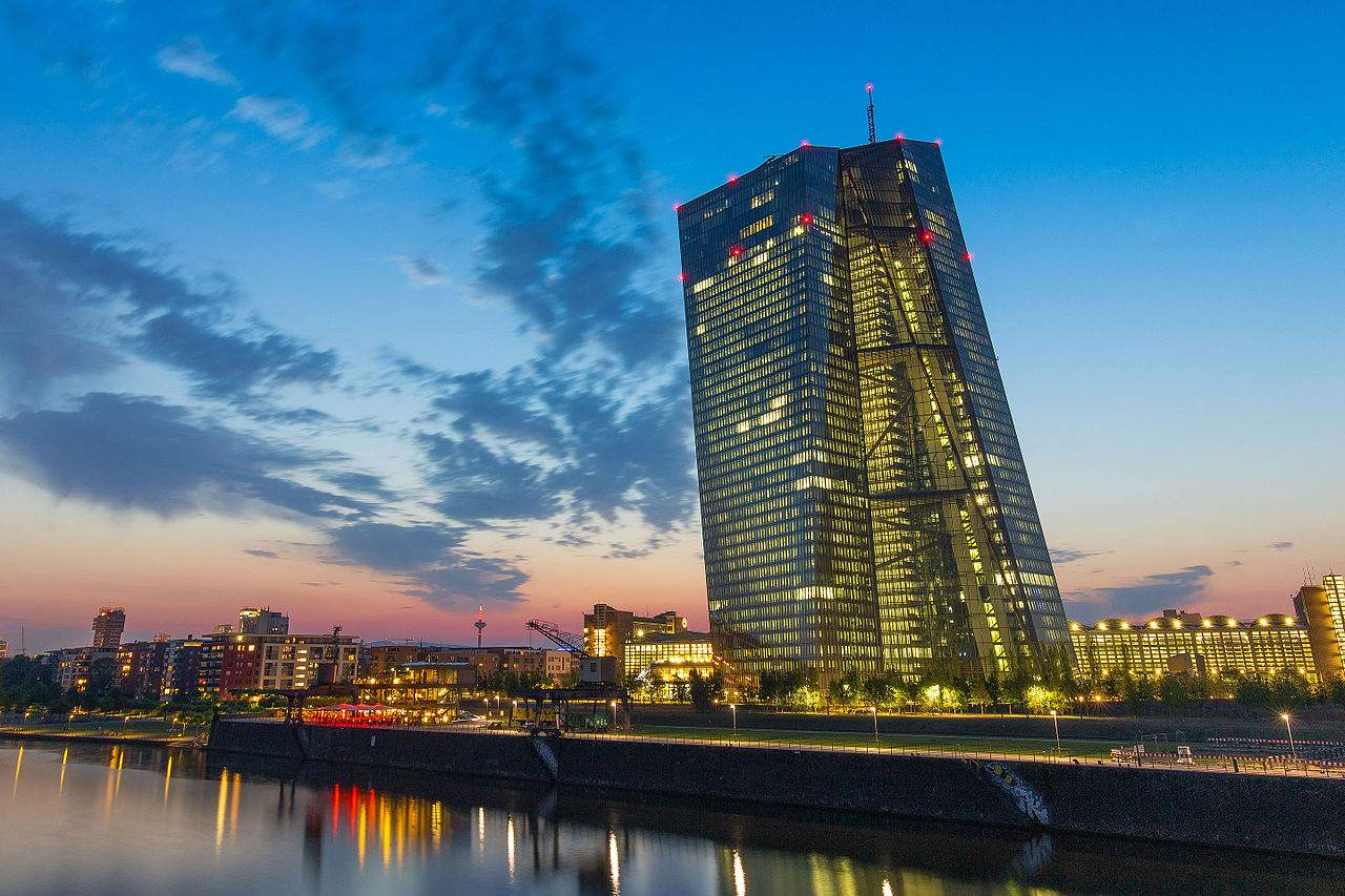 EZB-Nullzinspolitik - EZB-Zentrale in Frankfurt