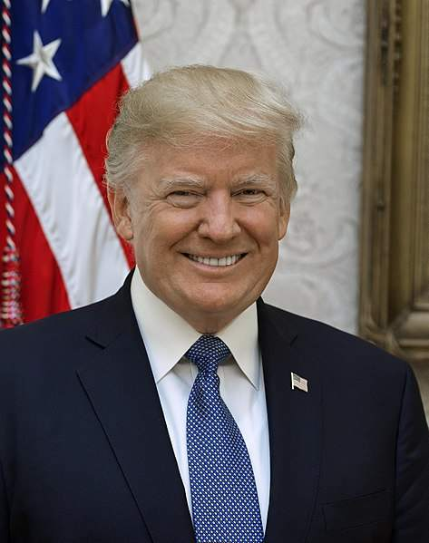 Trump lachend