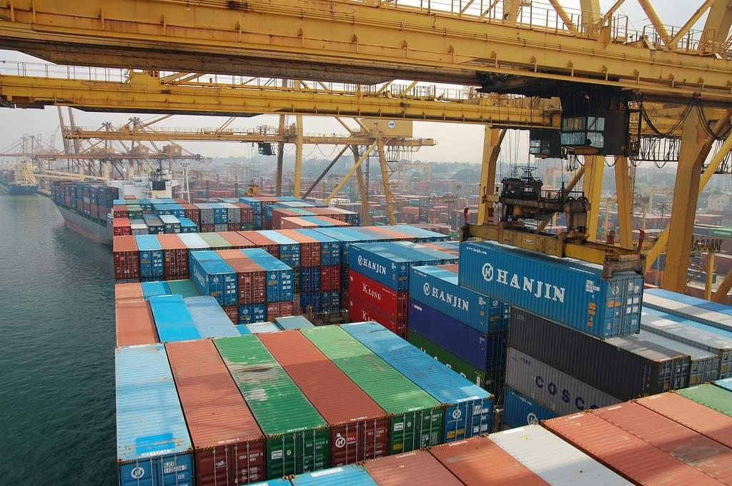 Konjunkturabschwung in Europa - Containerverladung