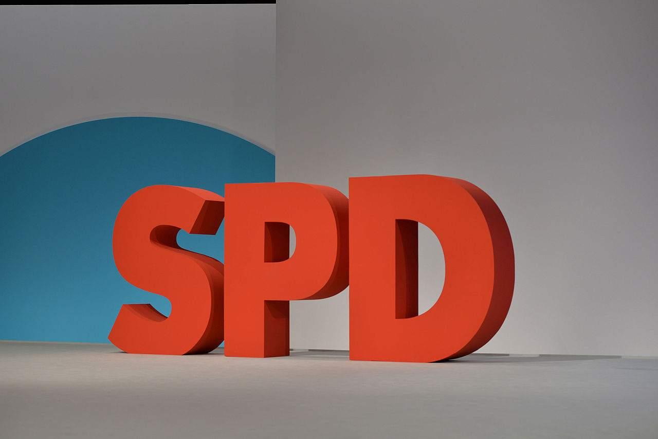 SPD Logo - #NieMehrSPD wird zum Problem für die Partei