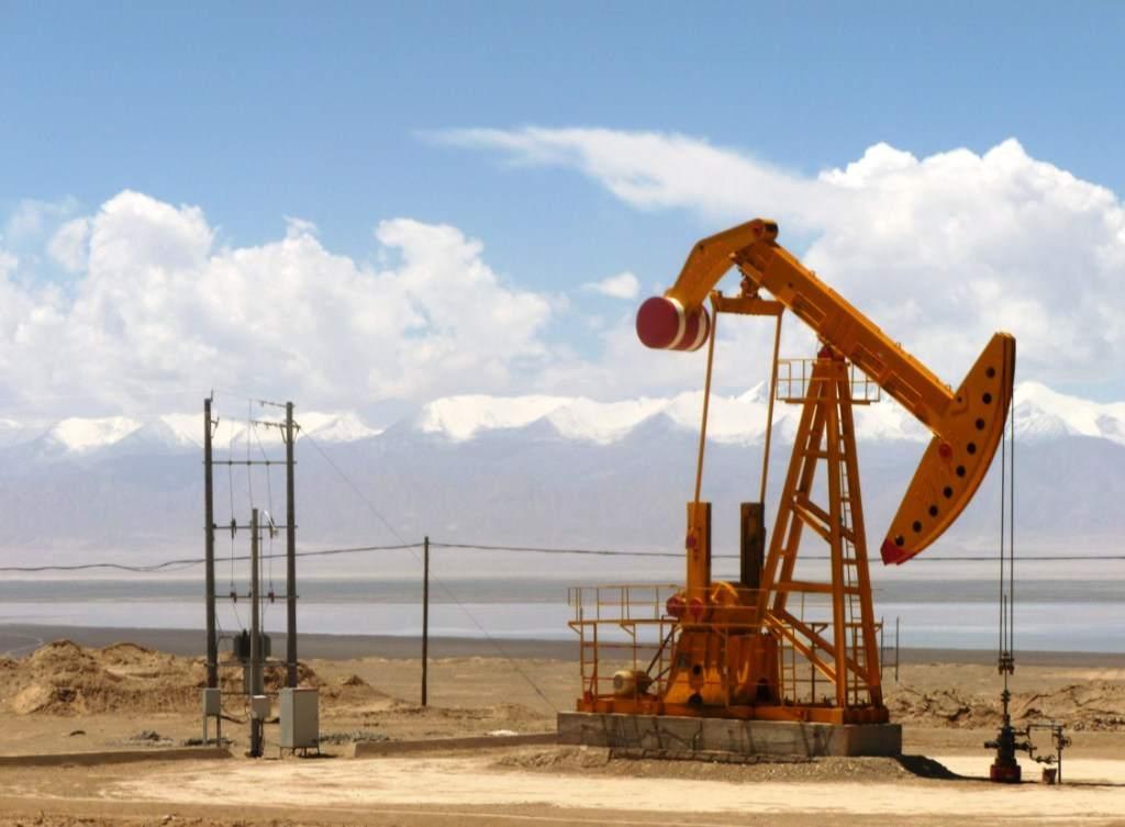 Noch weiter fallender Ölpreis? Im Bild eine Ölpumpe in China
