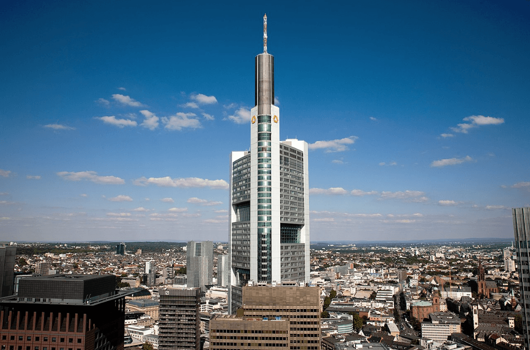 Commerzbank-Tower - Negative News für Commerzbank-Aktie