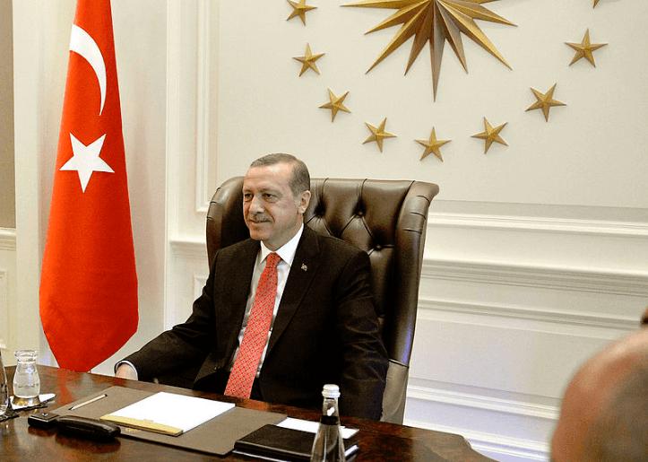 Präsident Erdogan entlässt Zentralbankchef- Türkische Lira fällt