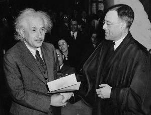 Einstein über den Wahnsinn - dazu zählt auch der Protektionismus