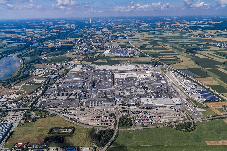 BMW-Werk in Dingolfing - Autoaktien im Fokus