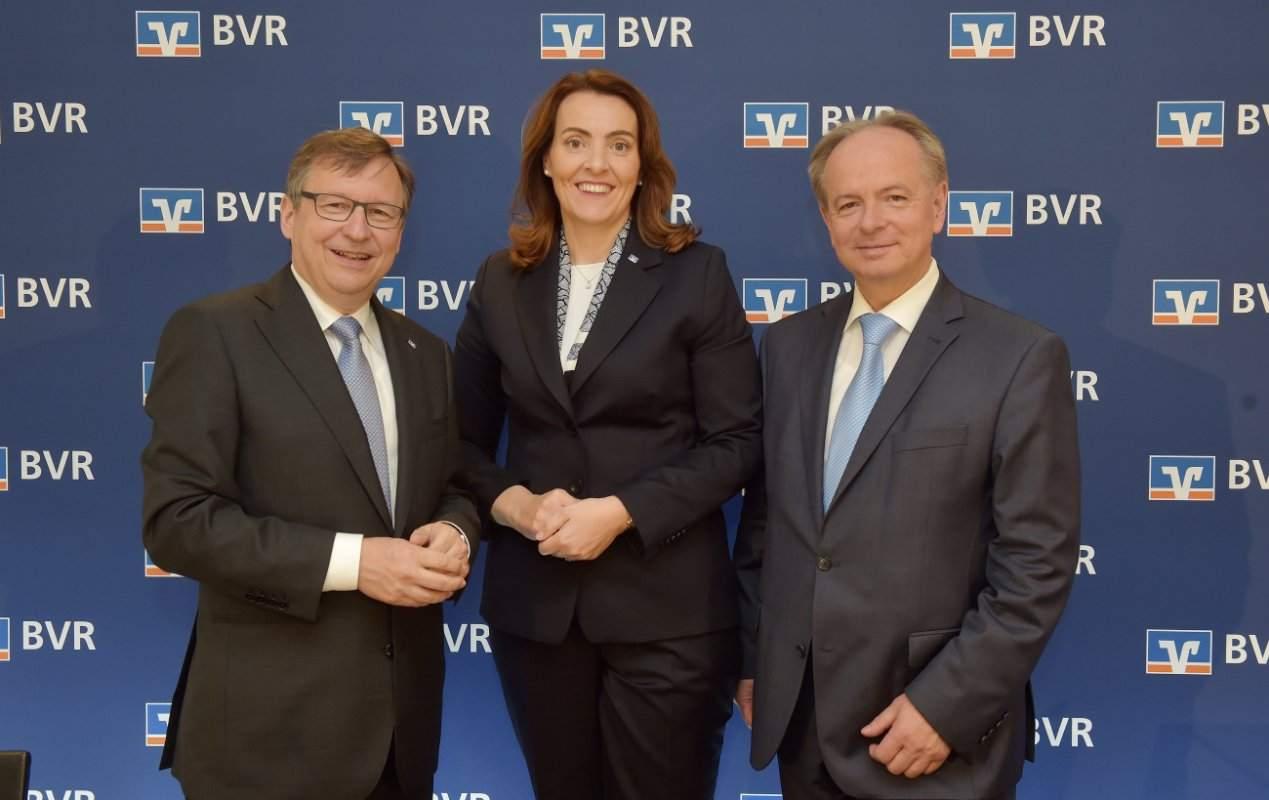 BVR Vorstand - Mirja Kolak bringt Negativzinsen für alle ins Gespräch