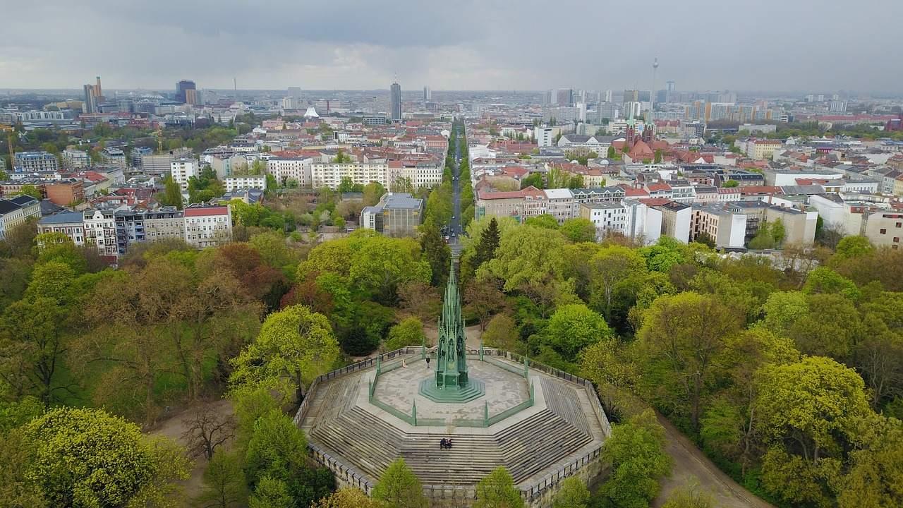 Berlin Kreuzberg - Mietendeckel wird Investoren abschrecken