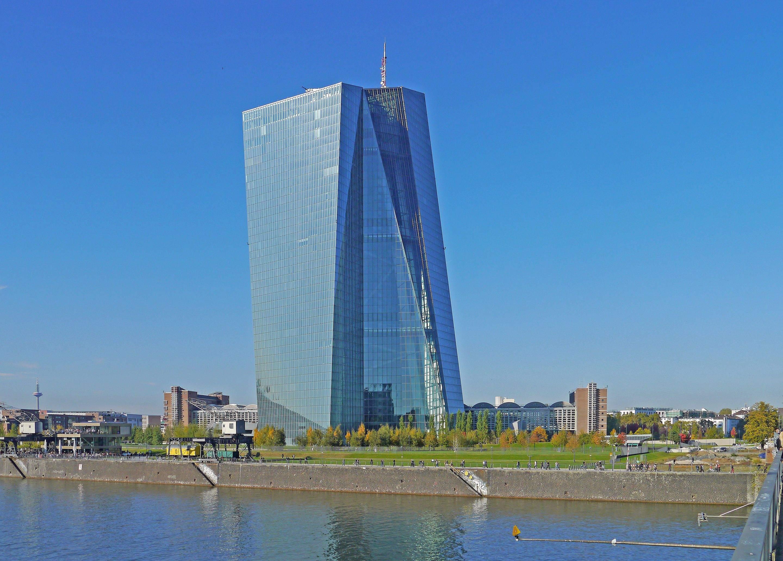 EZB-Zinsentscheidung im EZB-Tower in Frankfurt