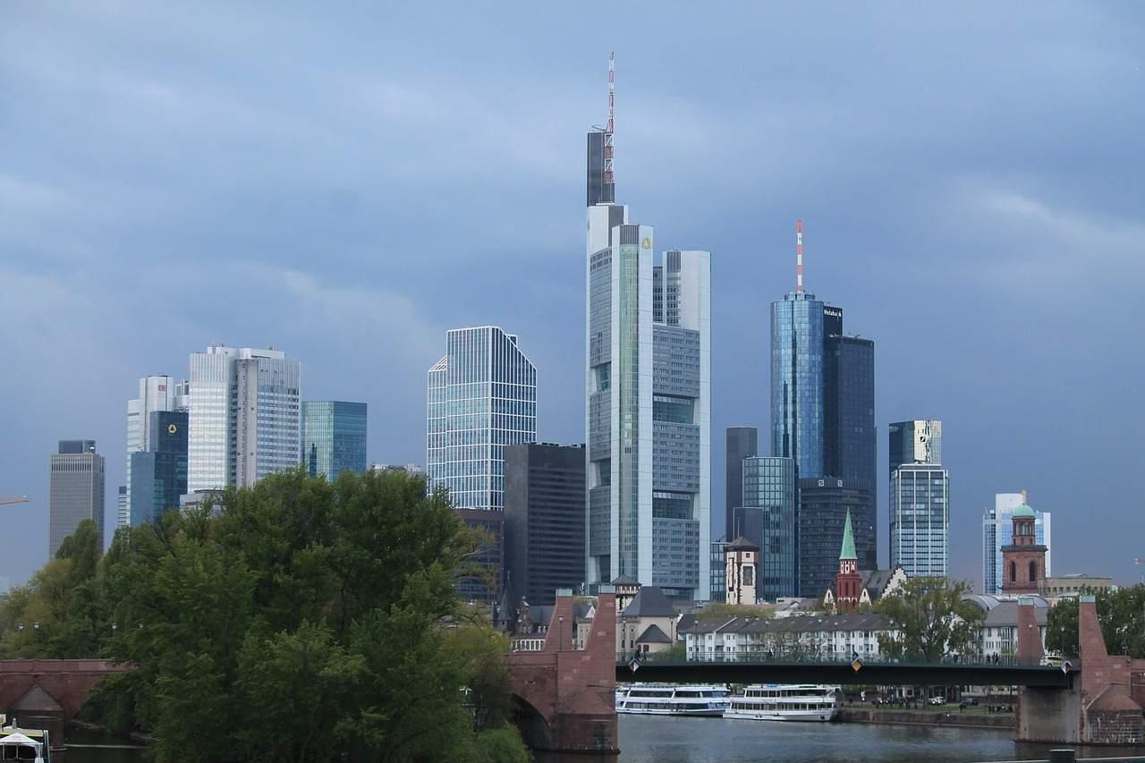 Frankfurt Banken nach EZB Entscheidung