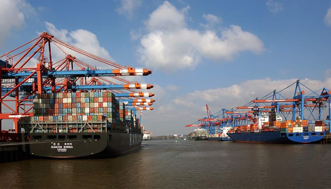 Güterumschlag per See - Hamburger Hafen