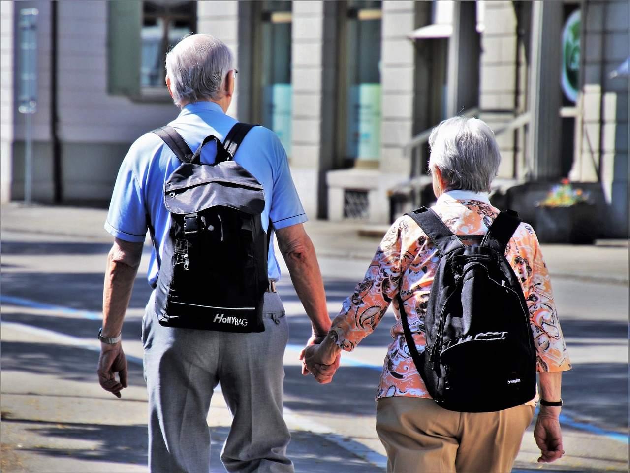 Beispielbild für zwei Rentner / Rentenversicherung kaputtes System