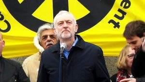 Jeremy Corbyn, Chef von Labour, befürwortet im Brexit-Drama nun Neuwahlen