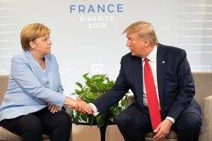 Rächst sich Trump an Deutschland wegen der Entscheidung Merkels, Huawei bei den 5G-Versteigerungen zuzulassen?