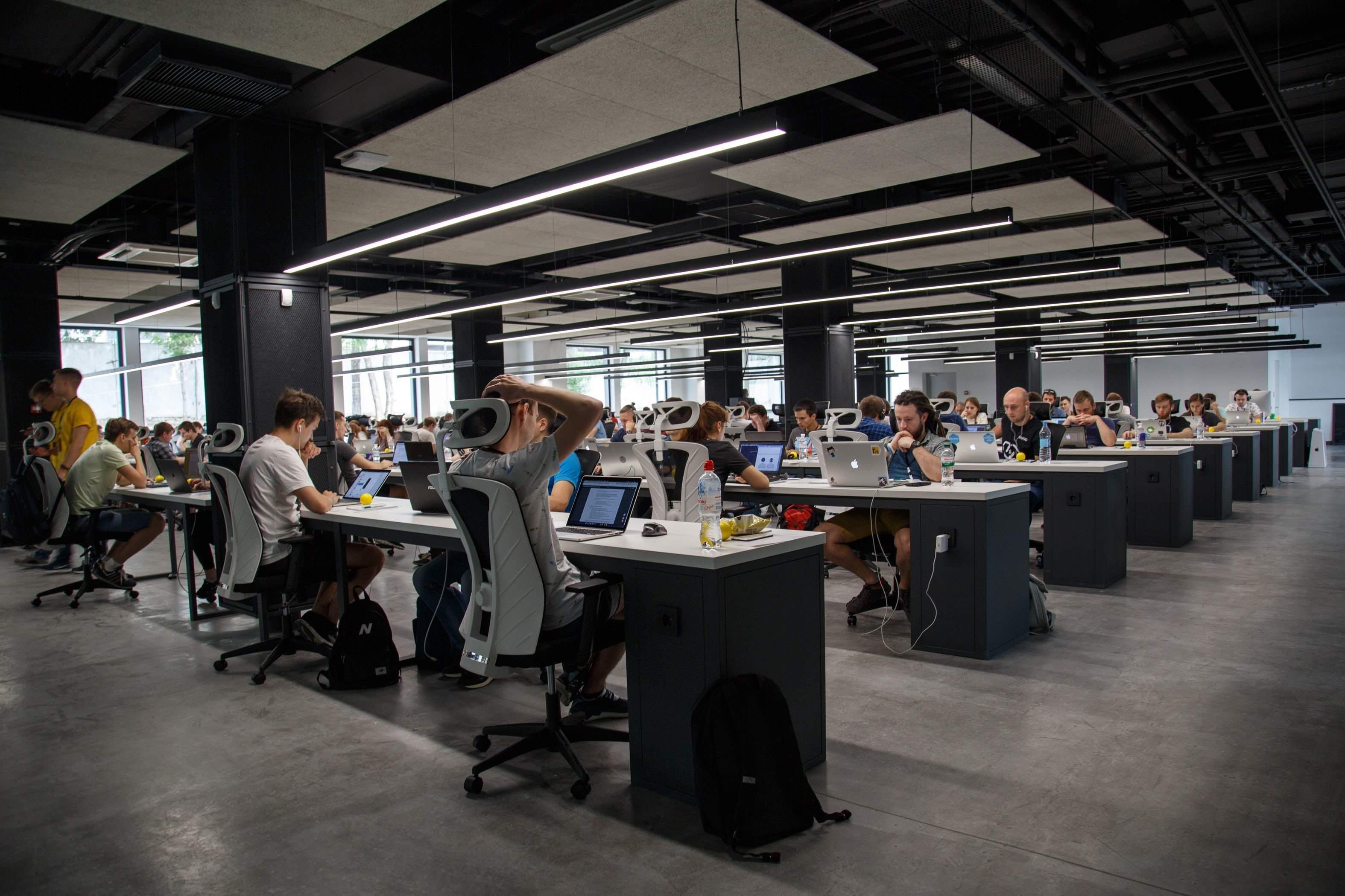 Arbeitsmarkt Beispielfoto Büroarbeit