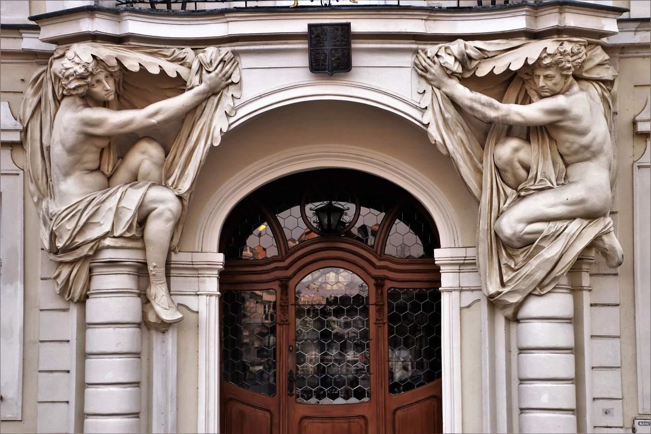 Immobilien - Beispielfoto für Altbau Eingangsfassade