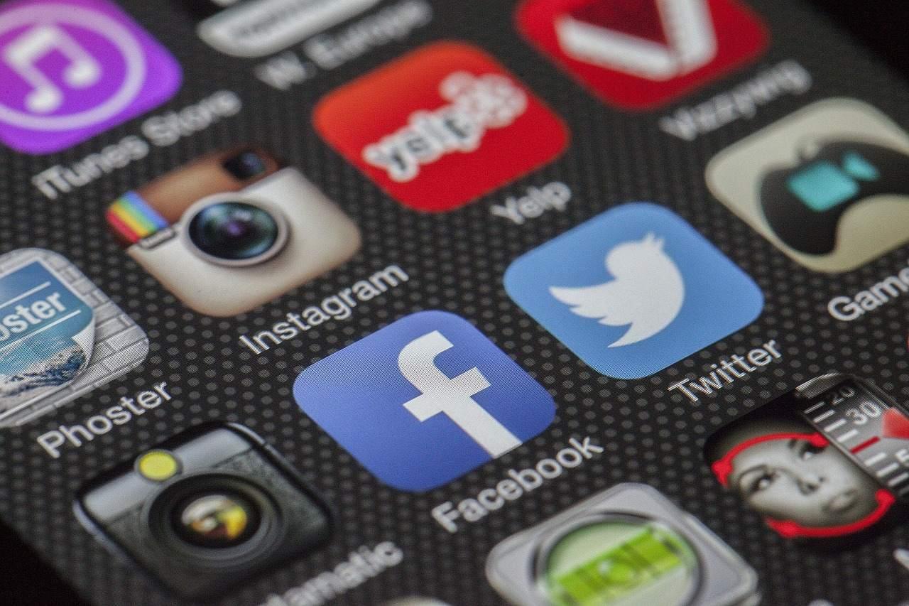 Insta Facebook Logos