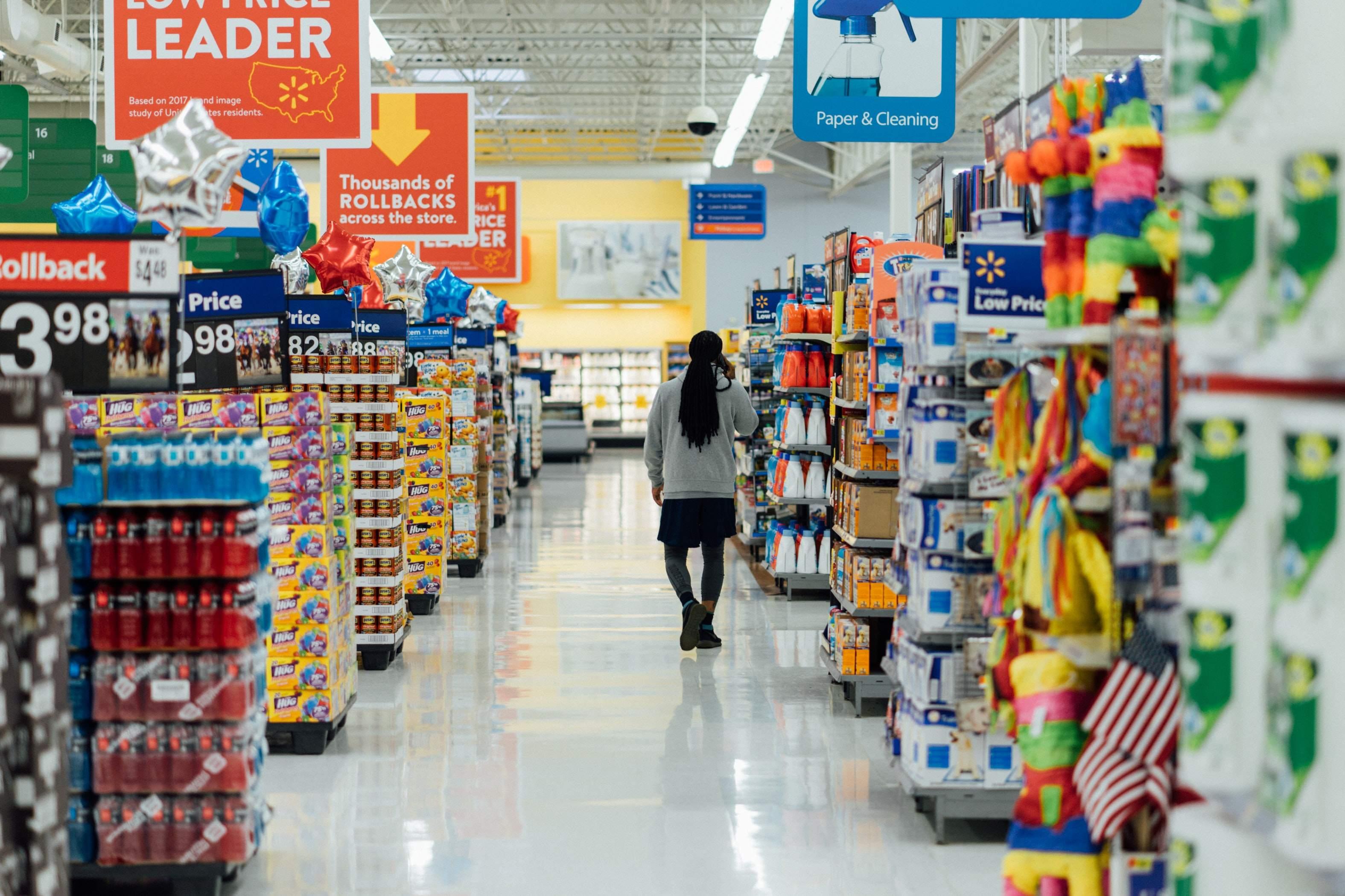 Supermarktregale - Einkaufsmanagerindizes bei Dienstleistungen schwach