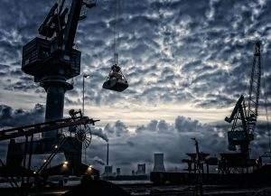 Die deutsche Industrie bleibt in schwerem Fahrwasser