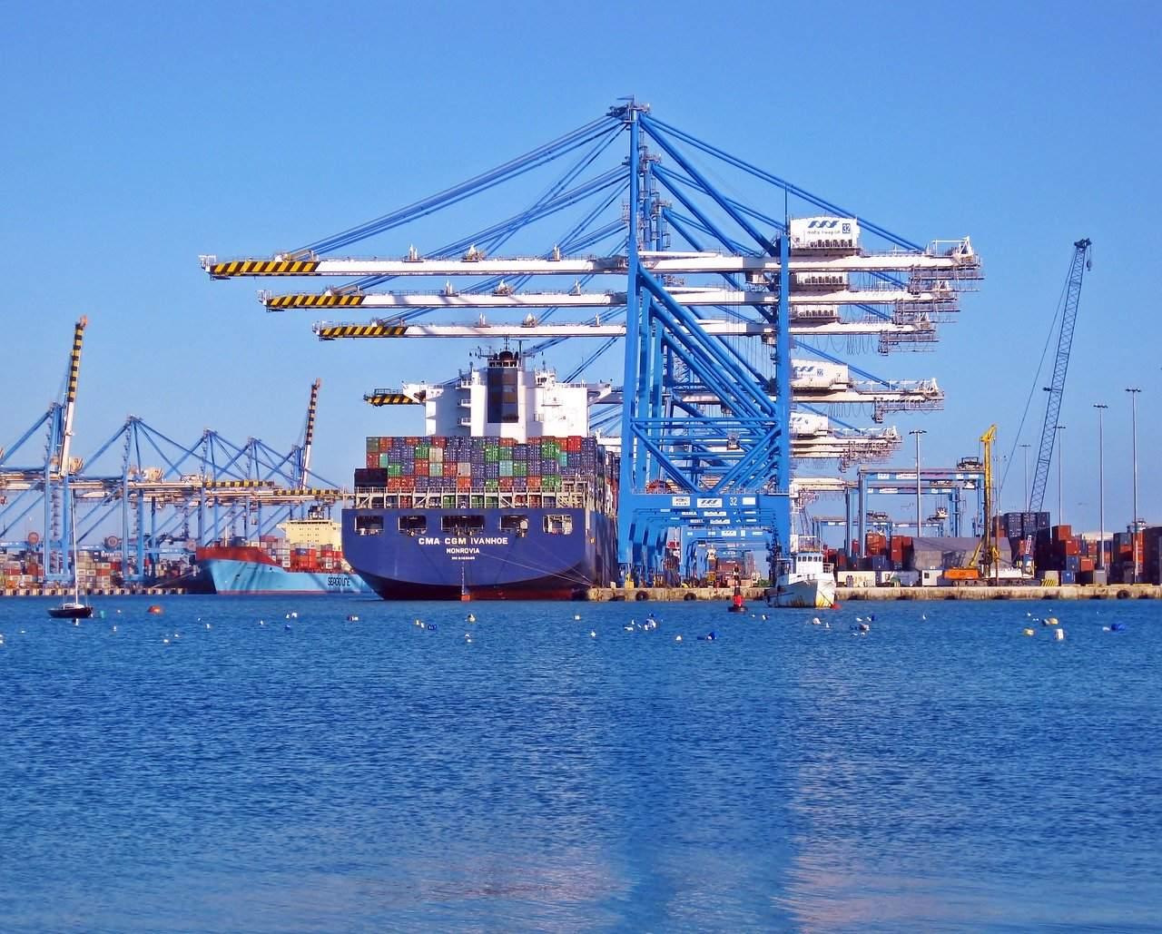 Cointainerschiff Hafen Beispielfoto