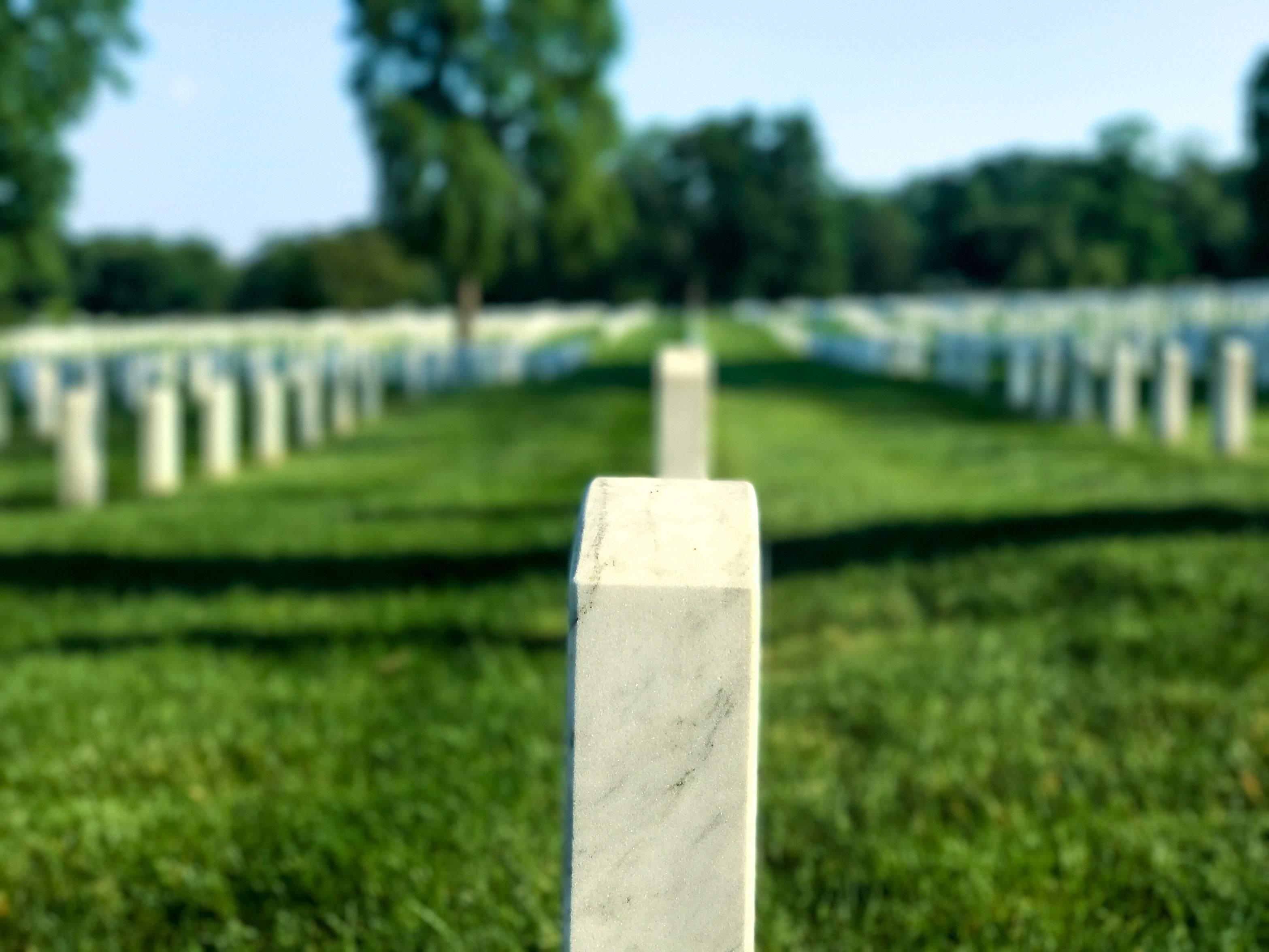 Friedhof als Symbol - grottige Rendite auf den deutschen Kapitalexport