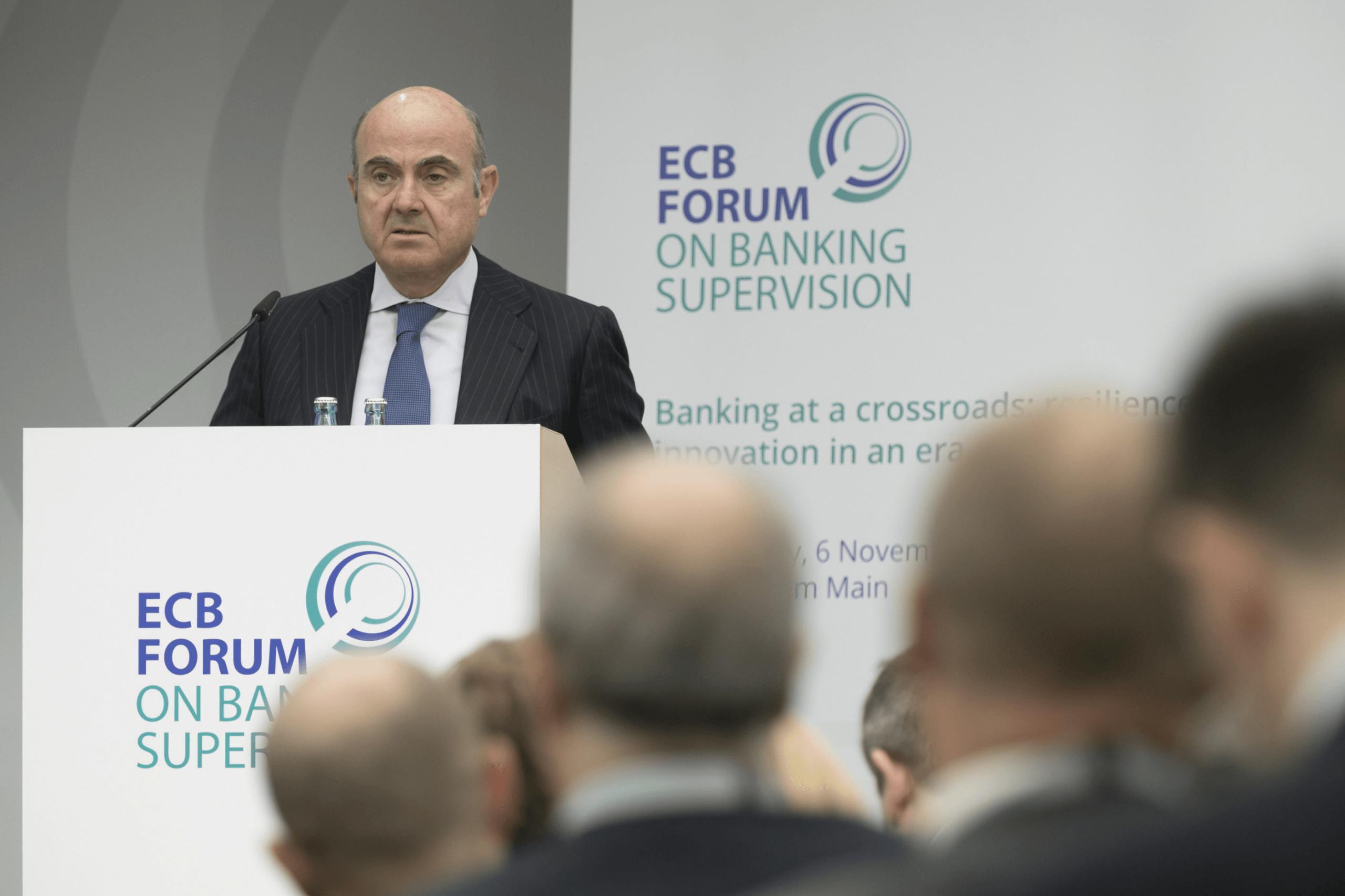 EZB Vize Luis de Guindos warnt vor Problemen