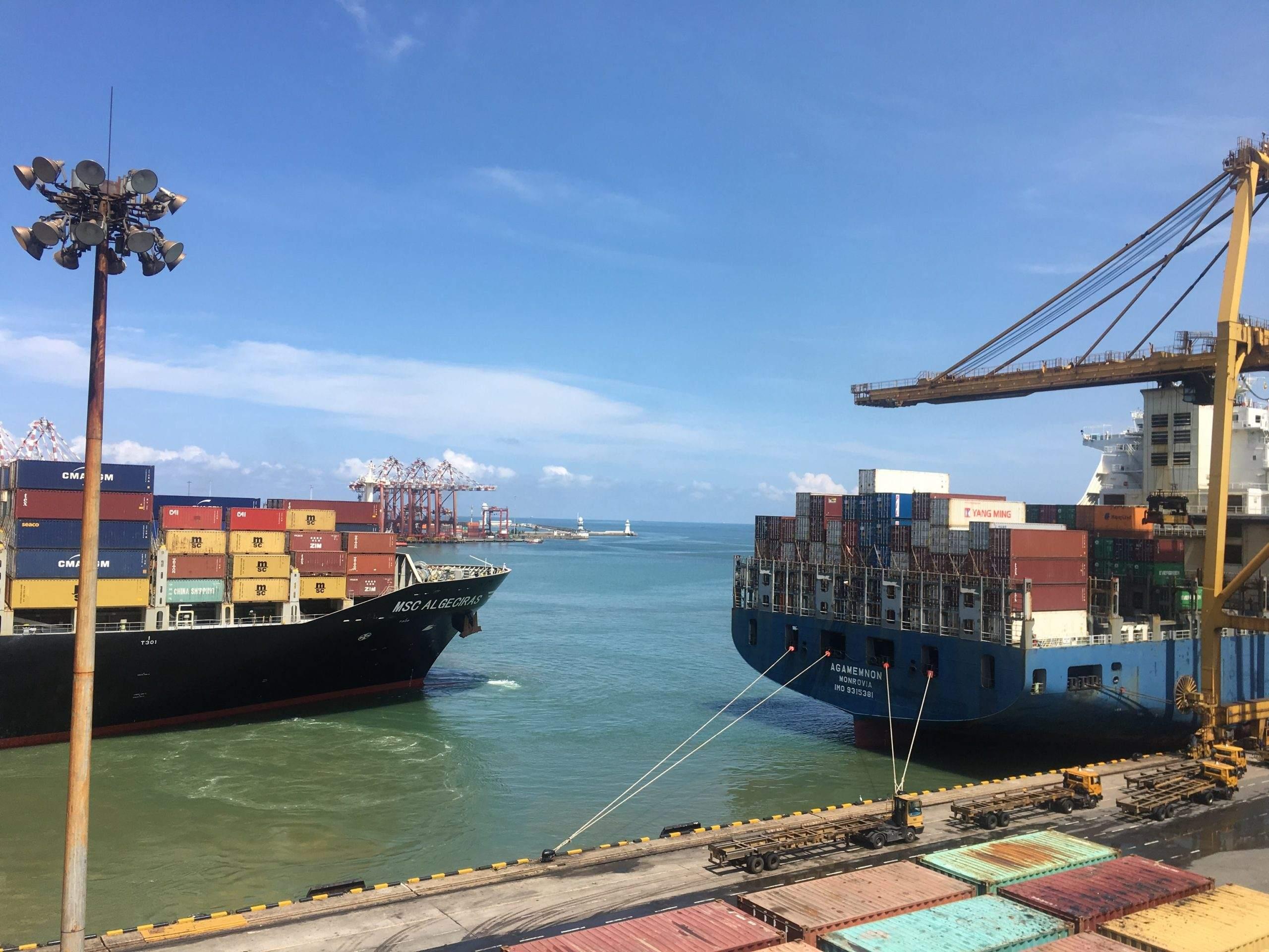 Containerschiffe sind das Symbol im globalen Handelskrieg