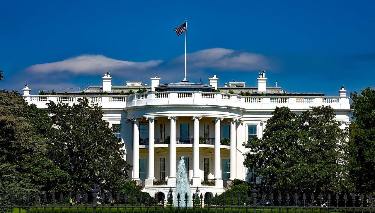 Weißes Haus in Washington DC - US-Staatsverschuldung überschreitet Billionen-Grenze