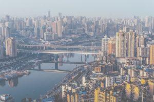China mit gestiegenen Exporten und gefallenen Importen