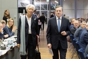 Christine Lagarde mit ihrem Vorgänger Mario Draghi