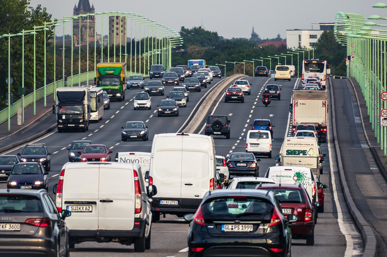 Symbolbild Straßenverkehr