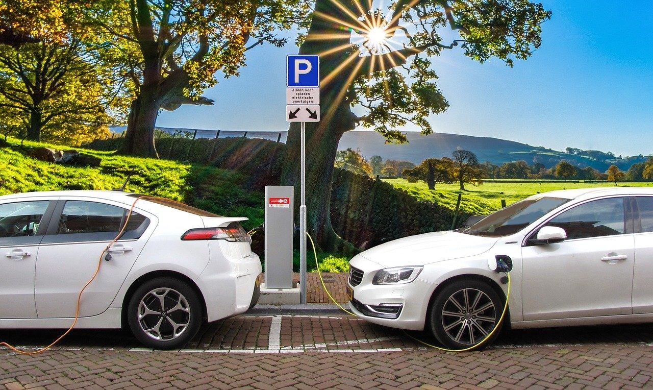 Lithium-Ionen-Akkus - Batterien sind die wichtigsten Teile in E-Autos
