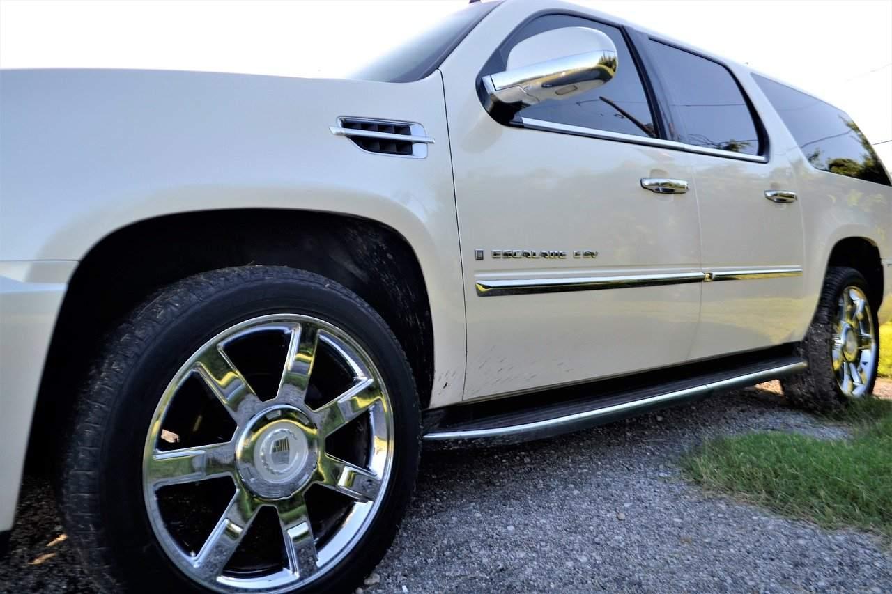 Cadillac Escalade - Autokredite als der nächste Krisenauslöser?