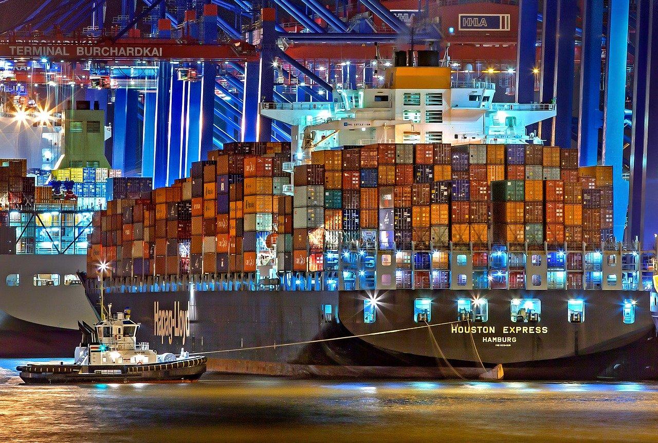 Hamburger Hafen mit Cointainerschiffen