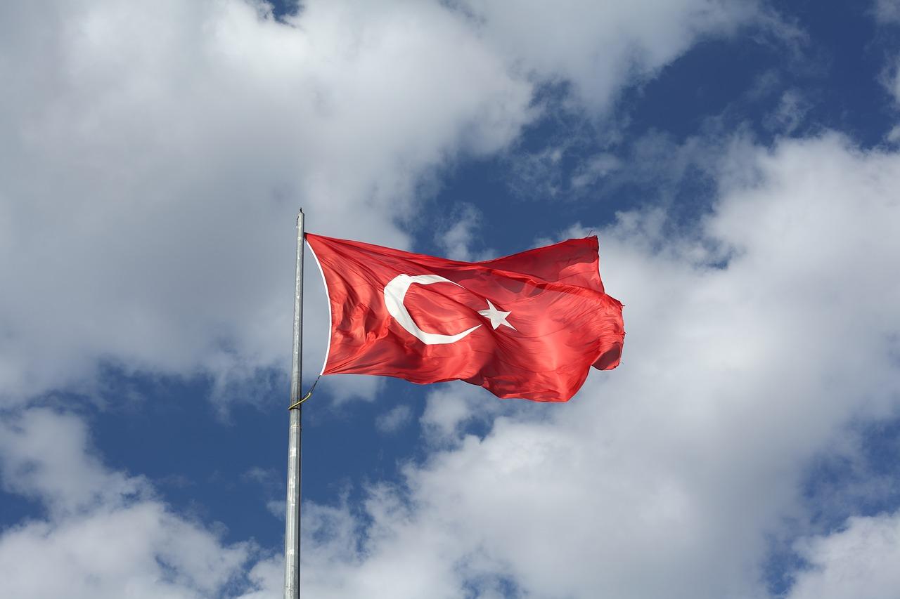 Türkei-Flagge - Türkische Zentralbank mit Zinsentscheidung