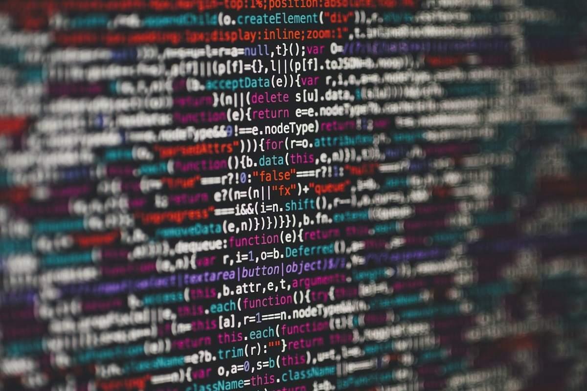 Beispielbild für Programmierzeilen - große IT-Panne bei Banken-Dienstleister