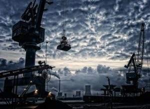 Der Dax steigt, aber über der Industrie bleiben die Wolken dunkel