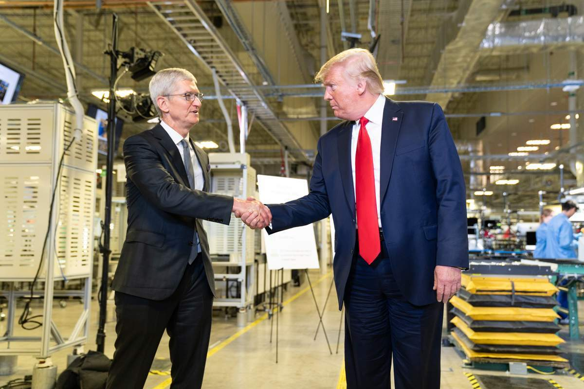 Aktienmärkte haussieren - Tim Cook und Donald Trump
