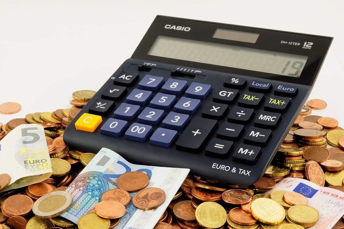 Anja Kohl mit klaren Worten zu neuen Steuern - Beispielbild Geld