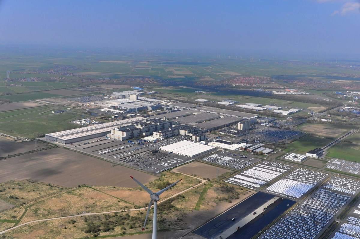 Autoproduktion in Deutschland - das VW-Werk in Emden