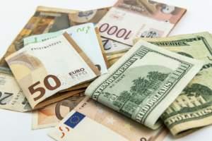 Der Euro uner Druck, weil der Dollar ingesamt stark ist - Zinssenkungsfantasien haben nachgelassen