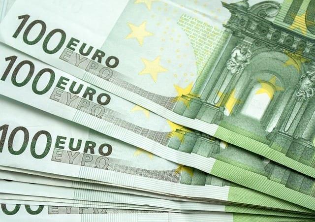 100 Euro Geldscheine
