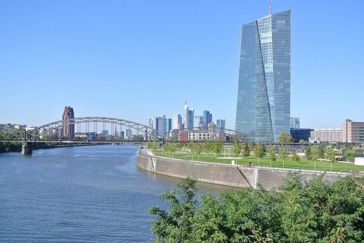 EZB-Zentrale in Frankfurt - Lagarde sprach heute vor EU-Parlament